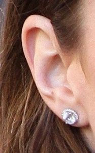 76f838af3 Earrings | Kate Middleton's Jewelry | Page 12